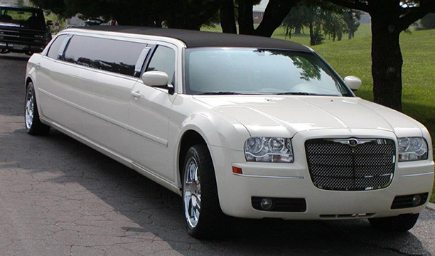Chrysler 300 Tux Limo